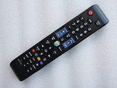Samsung AA59-00594A náhradní dálkový ovladač stejného vzhledu.
